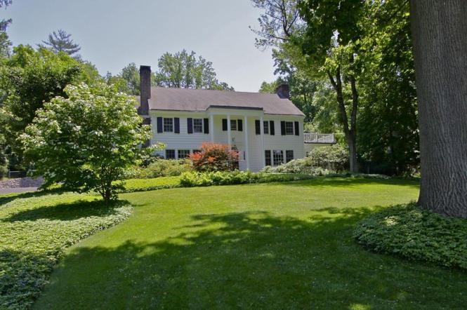 122 River Rd Briarcliff Manor NY