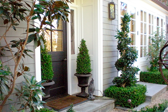 front-door-entry-ideas-boxwood_46bcc215eb6bdb7d7a8303b9be57b363_3x2_jpg_570x380_q85